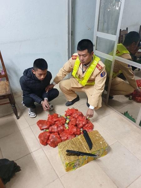 loi dung chung ket bong da sea games 30 mot doi tuong van chuyen phao lau