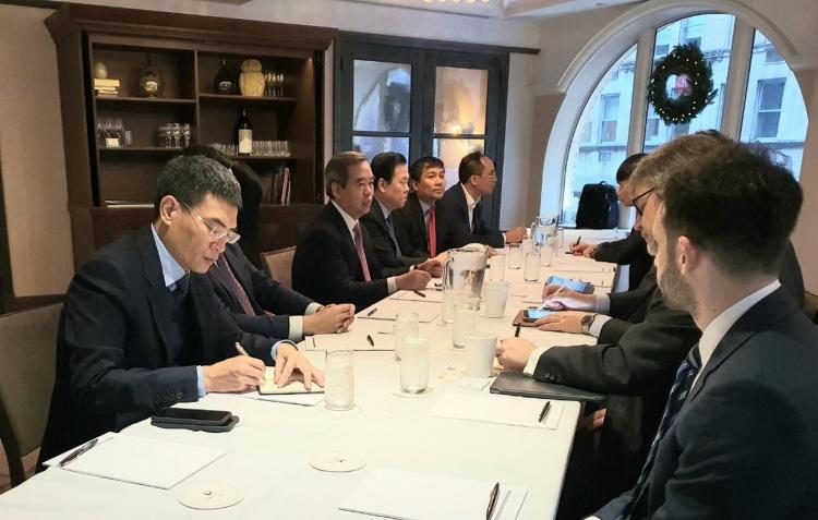 Trưởng Ban Kinh tế Trung ương Đảng dẫn đầu đoàn làm việc với Tập đoàn AES