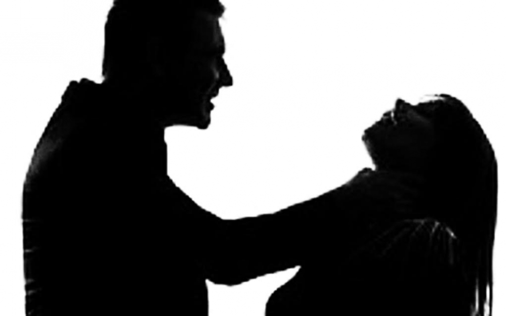 Mâu thuẫn tình cảm với trai trẻ, người phụ nữ chết lõa thể