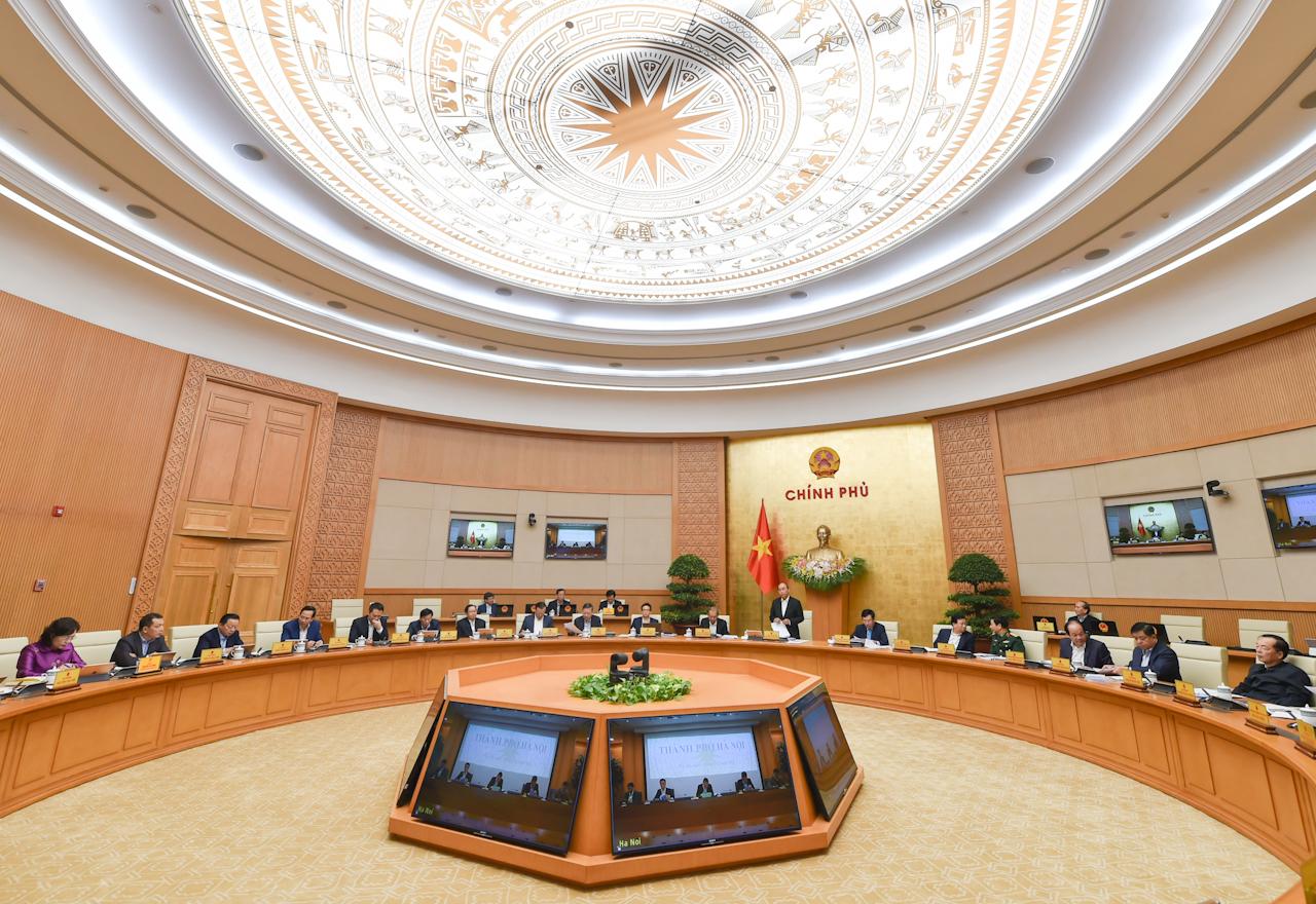 Thủ tướng Nguyễn Xuân Phúc: Thần tốc, quyết liệt hơn nữa trong truy vết, khoanh vùng