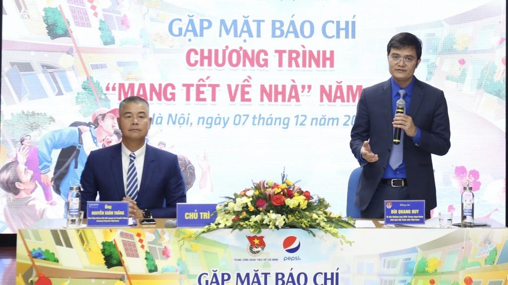 anh Bùi Quang Huy, Bí thư Thường trực Trung ương Đoàn, Chủ tịch Hội Sinh viên Việt Nam phát biểu tại chương trình