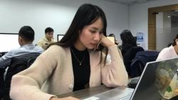 Sinh viên tăng tốc làm thêm trước thềm năm mới