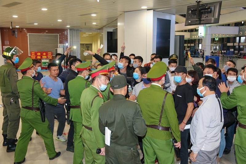 Diễn tập khẩn nguy: Gây rối trật tự công cộng tại Cảng Hàng không Quốc tế Nội Bài