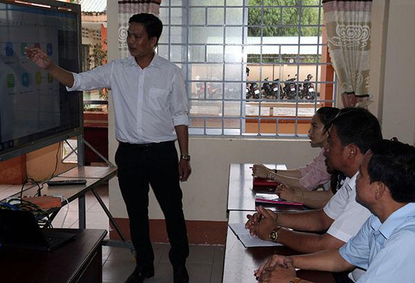 Thầy giáo vùng sâu Huỳnh Hoàng Voi có nhiều sáng kiến độc đáo