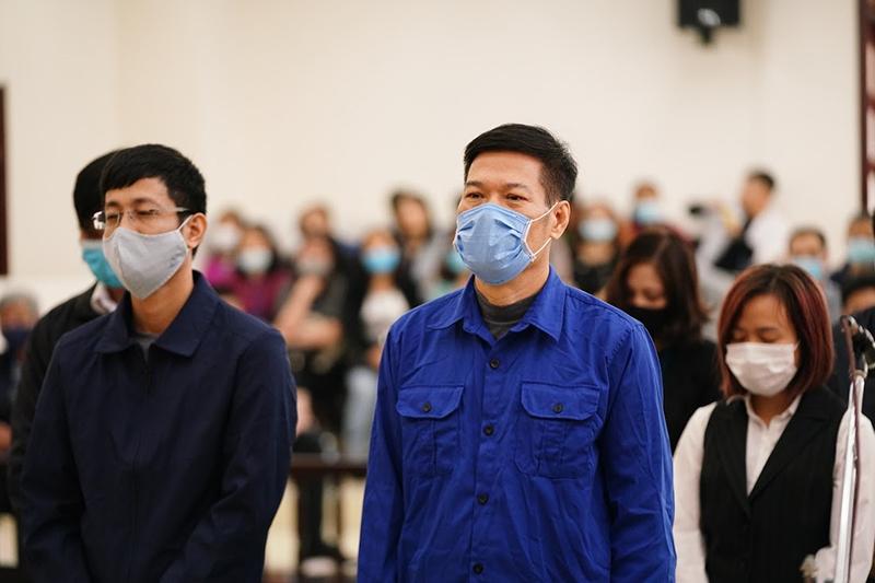 Bị cáo Nguyễn Nhật Cảm bị tuyên phạt 10 năm tù, các bị cáo còn lại bị tuyên phạt từ án treo đến 6 năm 6 tháng tù giam