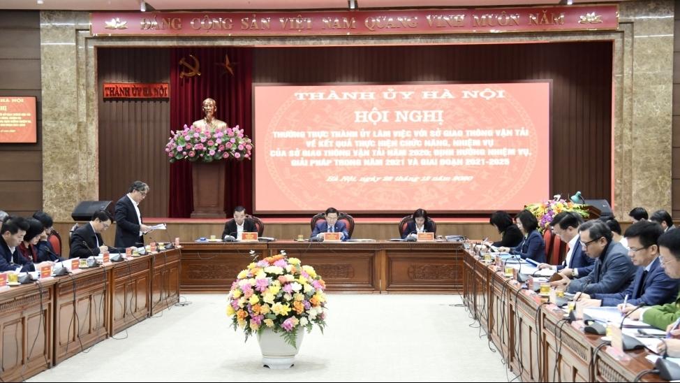 Bí thư Thành ủy Vương Đình Huệ làm việc với Sở Giao thông vận tải Hà Nội
