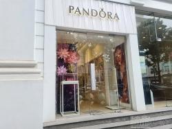 Vàng thau lẫn lộn - Bài 1: Điều gì làm nên thương hiệu Pandora