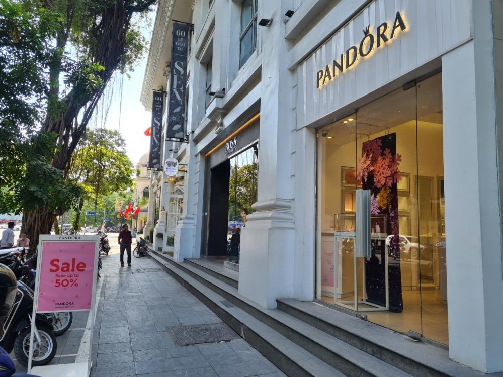 """Vàng thau lẫn lộn - Bài 2: Khi khách hàng """"đổ vỡ"""" niềm tin với Pandora"""