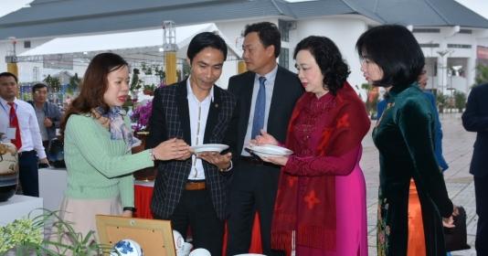 Gia Lâm đón nhận Danh hiệu huyện đạt chuẩn nông thôn mới