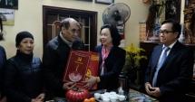 Phó Bí thư Thường trực Thành ủy chúc Tết các gia đình có công trên địa bàn quận Nam Từ Liêm