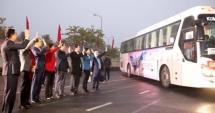 Lãnh đạo thành phố Hà Nội tiễn công nhân về quê đón Tết