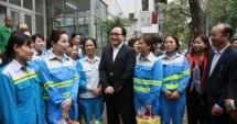 Bí thư Thành ủy Hoàng Trung Hải thăm, động viên các đơn vị trực phục vụ tết