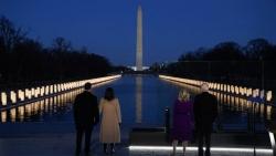 Ông Joe Biden tưởng niệm nạn nhân COVID-19 trước lễ nhậm chức