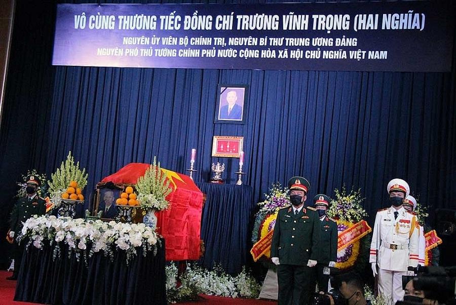 Linh cữu nguyên Phó thủ tướng Trương Vĩnh Trọng tại hội trường lớn UBND tỉnh Bến Tre
