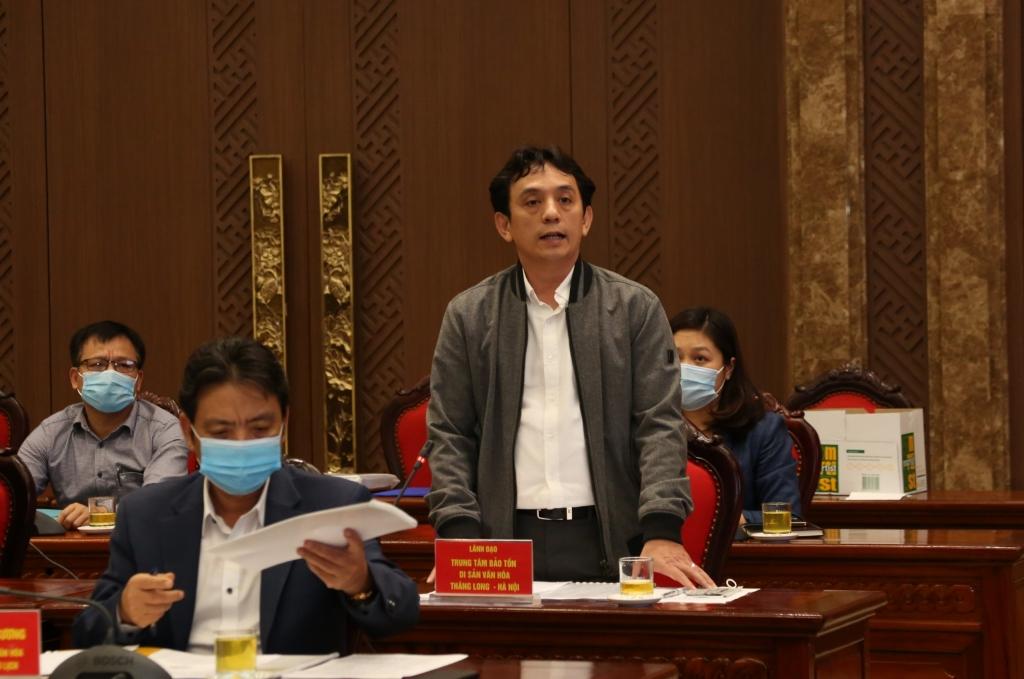 Giám đốc Trung tâm Bảo tồn di sản Thăng Long-Hà Nội Trần Việt Anh báo cáo tại buổi làm việc