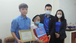 Phó Bí thư Thành đoàn Hà Nội thăm, động viên tân binh lên đường nhập ngũ