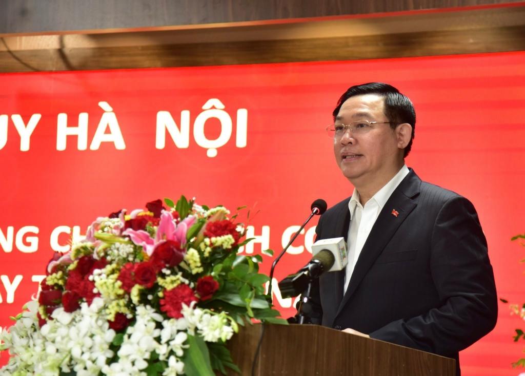 Hà Nội: Tri ân đội ngũ cán bộ, y bác sĩ trên tuyến đầu chống dịch