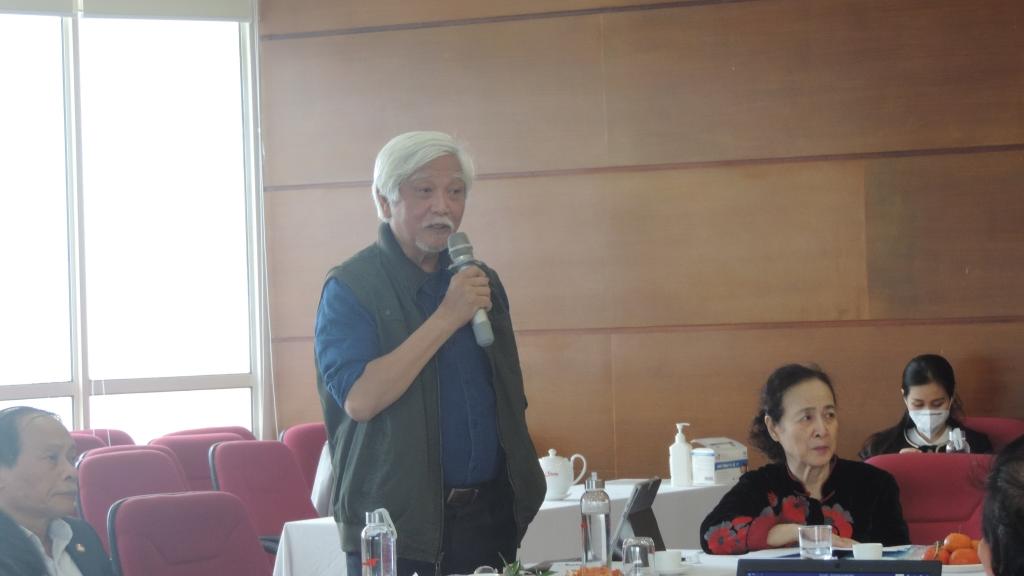 Nhà sử học Dương Trung Quốc chia sẻ ý kiến tại tọa đàm