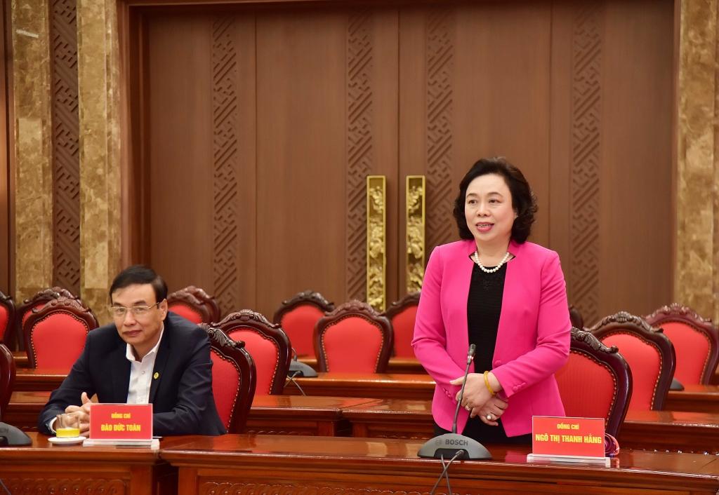Nguyên Phó Bí thư Thành ủy Ngô Thị Thanh Hằng phát biểu tại buổi gặp mặt