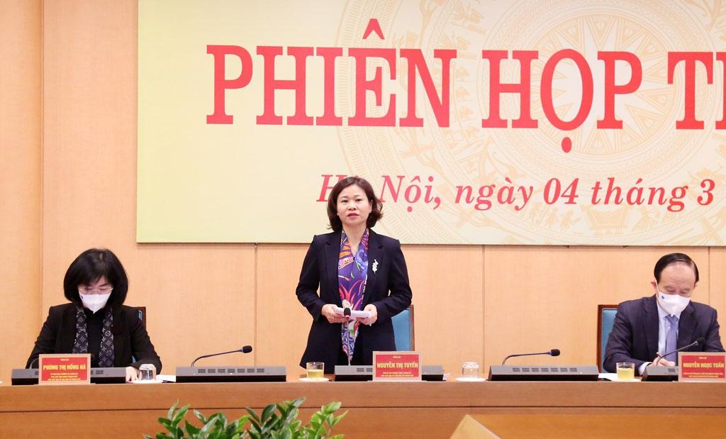 Phó Bí thư Thường trực Thành ủy, Phó Trưởng ban Chỉ đạo bầu cử TP, Phó Chủ tịch Ủy ban Bầu cử TP Nguyễn Thị Tuyến  phát biểu tại phiên họp