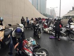 """Hà Nội tập trung xử lý hàng loạt """"điểm đen"""" tai nạn giao thông"""