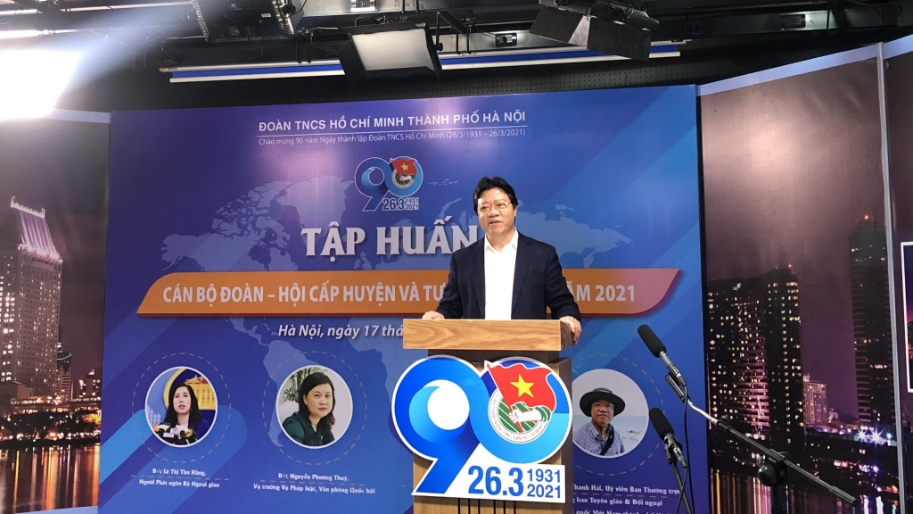 Đồng chí Nguyễn Thanh Hải, Trưởng ban Tuyên giáo & Đối ngoại, Mặt trận Tổ quốc Việt Nam thành phố Hà Nội trao đổi chuyên đề 02 tại chương trình