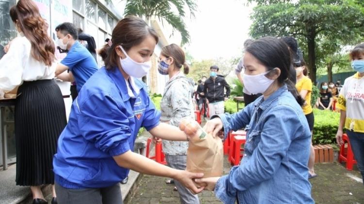 Tổ chức Đoàn đồng hành cùng thanh niên công nhân vượt qua khó khăn