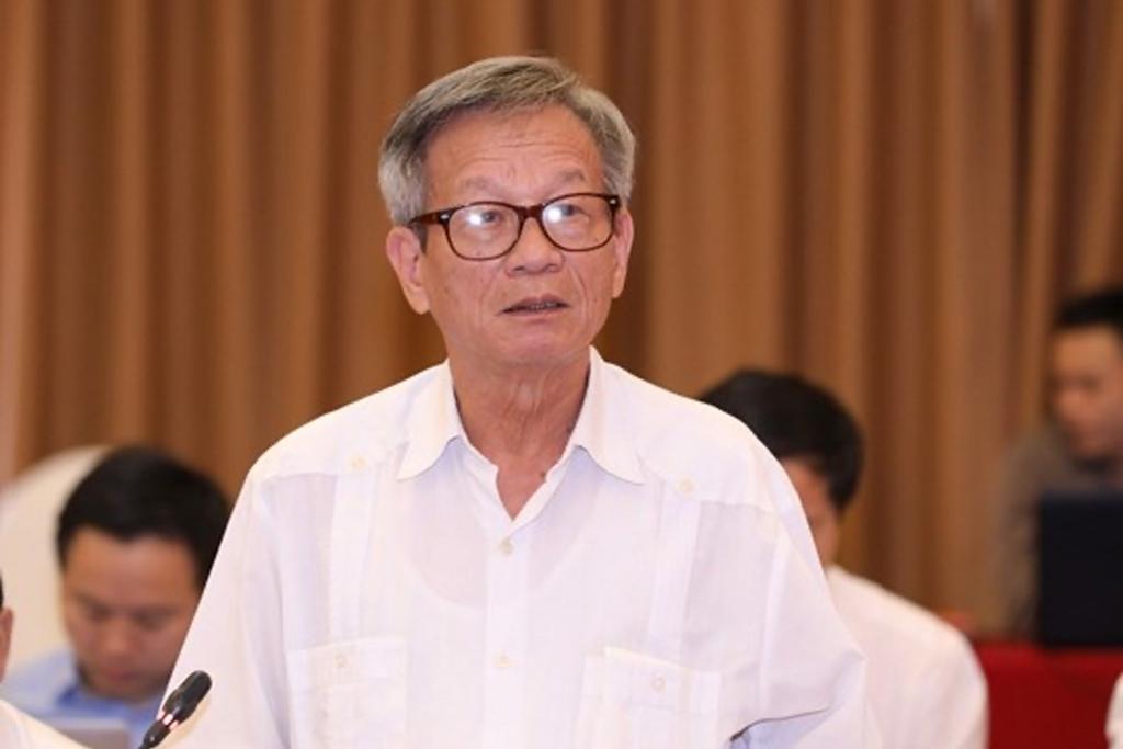 Ông Lê Truyền