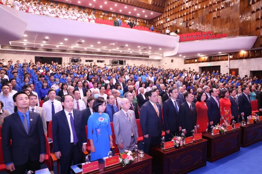 Các vị đại biểu đến dự buổi lễ của Đoàn Thanh niên thành phố Hà Nội
