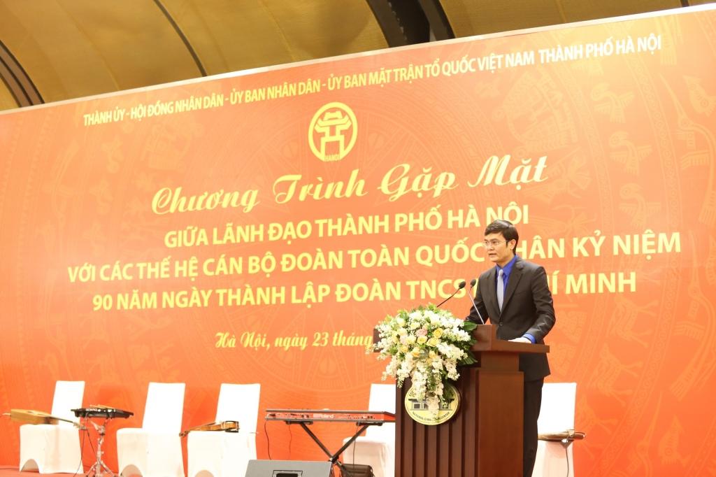 Ủy viên dự khuyết Trung ương Đảng, Bí thư Thường trực Trung ương Đoàn, Chủ tịch Trung ương Hội Sinh viên Việt Nam Bùi Quang Huy phát biểu tại buổi gặp mặt