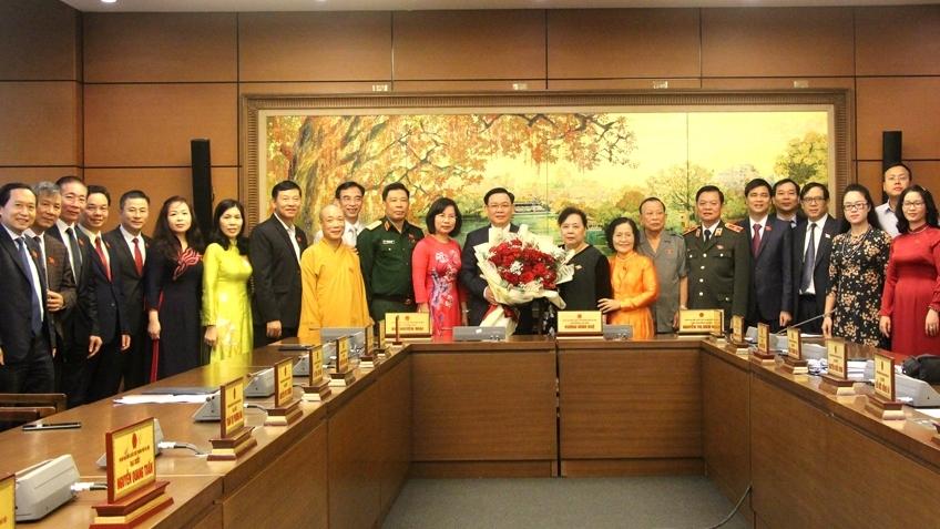 Đoàn đại biểu Quốc hội TP Hà Nội chúc mừng tân Chủ tịch Quốc hội Vương Đình Huệ