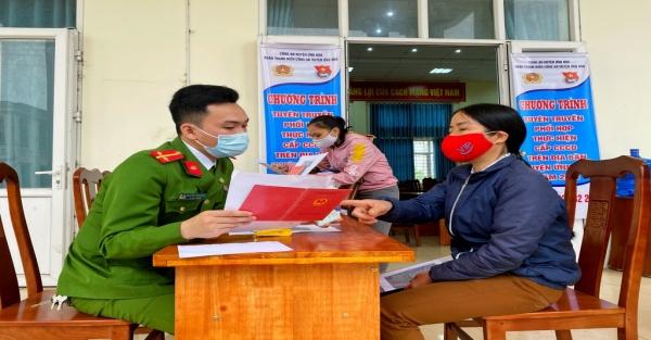 """Tuổi trẻ Công an thành phố Hà Nội với phương châm """"Làm hết việc, không hết giờ"""""""