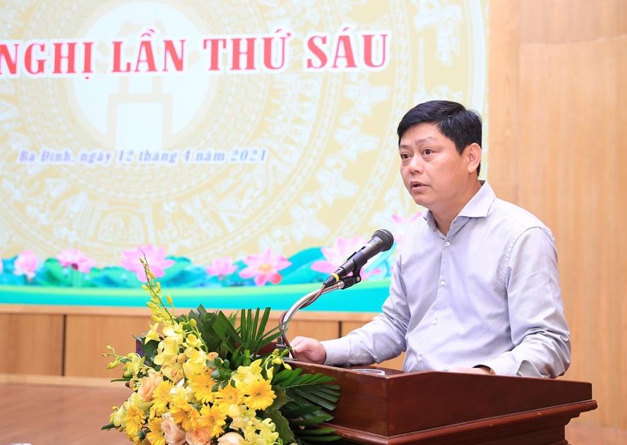 Phó Bí thư Quận ủy, Chủ tịch UBND quận Ba Đình Tạ Nam Chiến phát biểu tại hội nghị