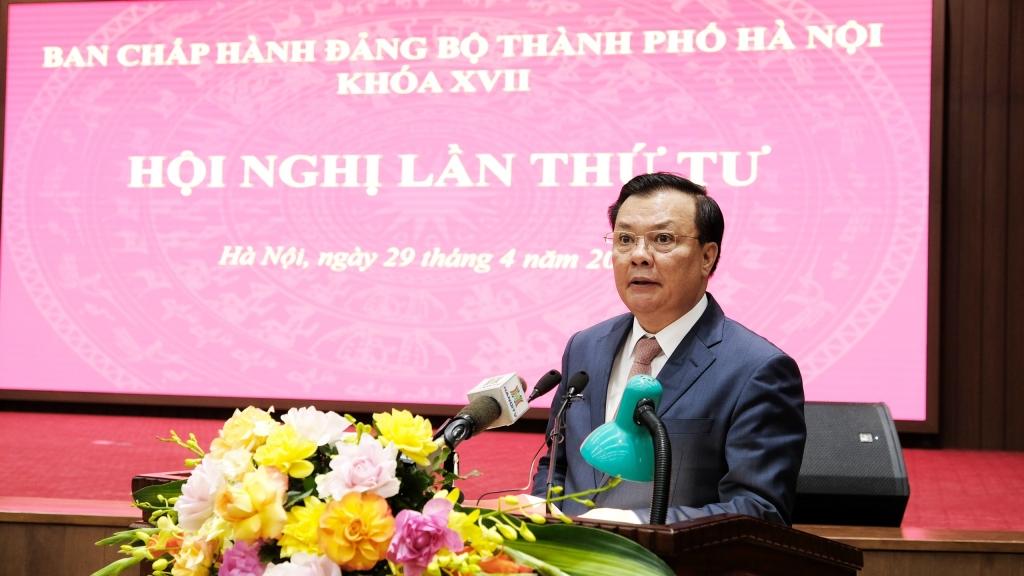 Bí thư Thành ủy Đinh Tiến Dũng phát biểu kết luận hội nghị