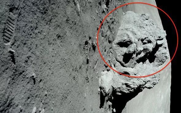 """Chuyên gia UFO phát hiện """"bằng chứng 100%"""" về người ngoài hành tinh trên Mặt trăng"""