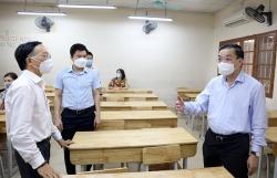 Chủ tịch UBND TP Hà Nội yêu cầu đảm bảo tuyệt đối an toàn phòng dịch cho kỳ thi vào lớp 10
