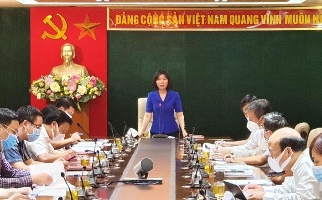 Phó Chủ tịch HĐND thành phố Phùng Thị Hồng Hà kết luận buổi làm việc.
