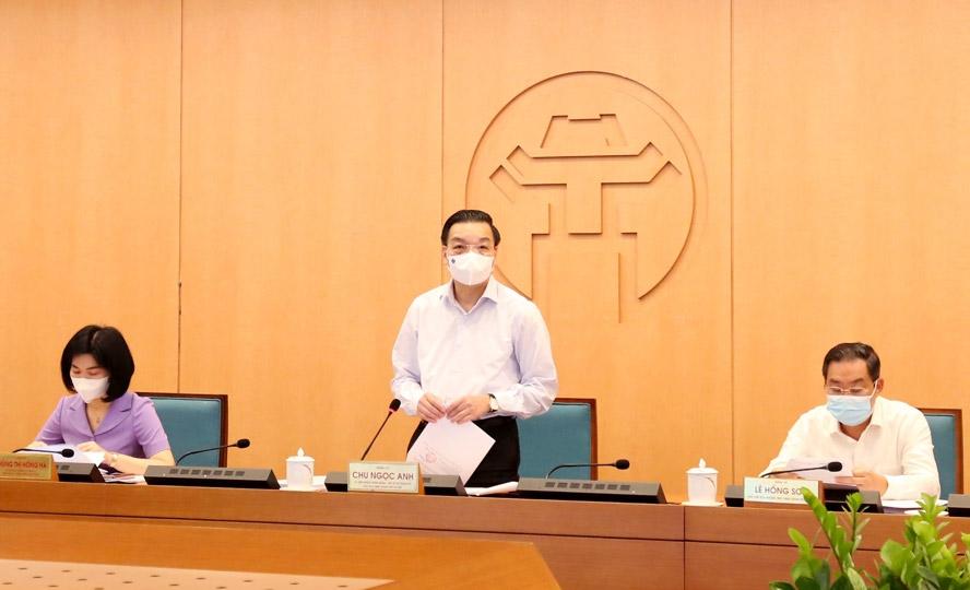 Chủ tịch UBND thành phố Hà Nội Chu Ngọc Anh chủ trì phiên họp