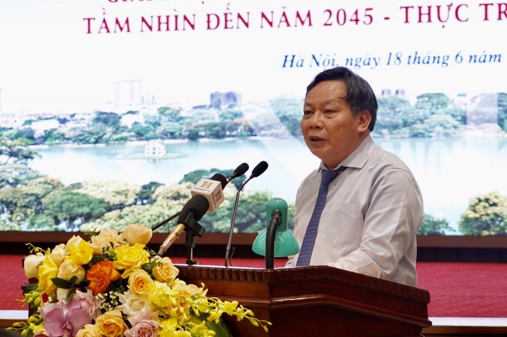 Phó Bí thư Thành ủy Nguyễn Văn Phong phát biểu tại buổi tọa đàm