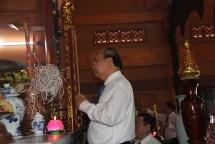 Thủ tướng thắp hương tri ân các Anh hùng, liệt sĩ tại Yên Bái