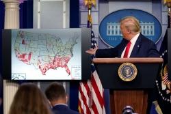 Người Mỹ vẫn tranh cãi về đỉnh dịch tại các điểm nóng COVID-19