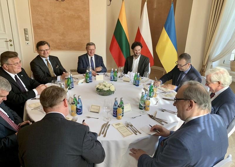 """""""Tam giác Lublin"""": Tăng cường hợp tác khôi phục kinh tế hậu Covid-19"""