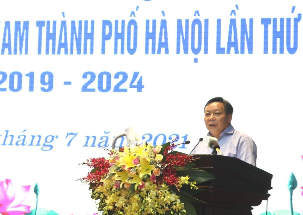 Phó Bí thư Thành ủy Nguyễn Văn Phong phát biểu kết luận hội nghị