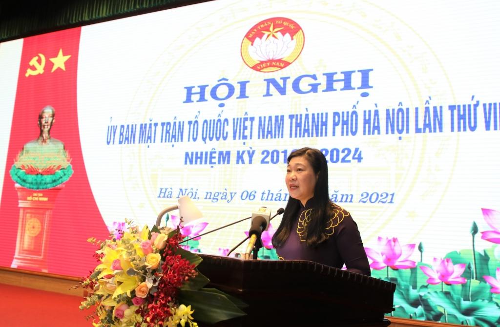 Chủ tịch Ủy ban MTTQ Việt Nam TP Hà Nội Nguyễn Lan Hương phát biểu khai mạc hội nghị