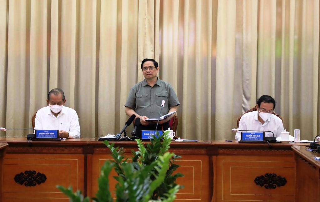 Thủ tướng Chính phủ Phạm Minh Chính và đoàn công tác của Chính phủ có buổi làm việc với lãnh đạo TP HCM về thực hiện công tác phòng, chống dịch Covid-19 vào chiều ngày 11/7