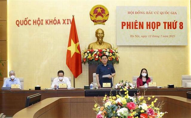 Chủ tịch Quốc hội Vương Đình Huệ phát biểu khai mạc Phiên họp thứ 8 của Hội đồng Bầu cử quốc gia. Ảnh: TTXVN