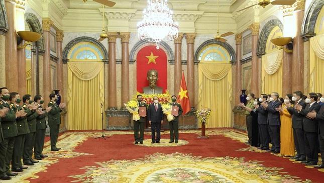 Cùng tham dự buổi lễ có nhiều lãnh đạo Đảng, Nhà nước, Quân uỷ Trung ương và các bộ, ban, ngành trung ương.
