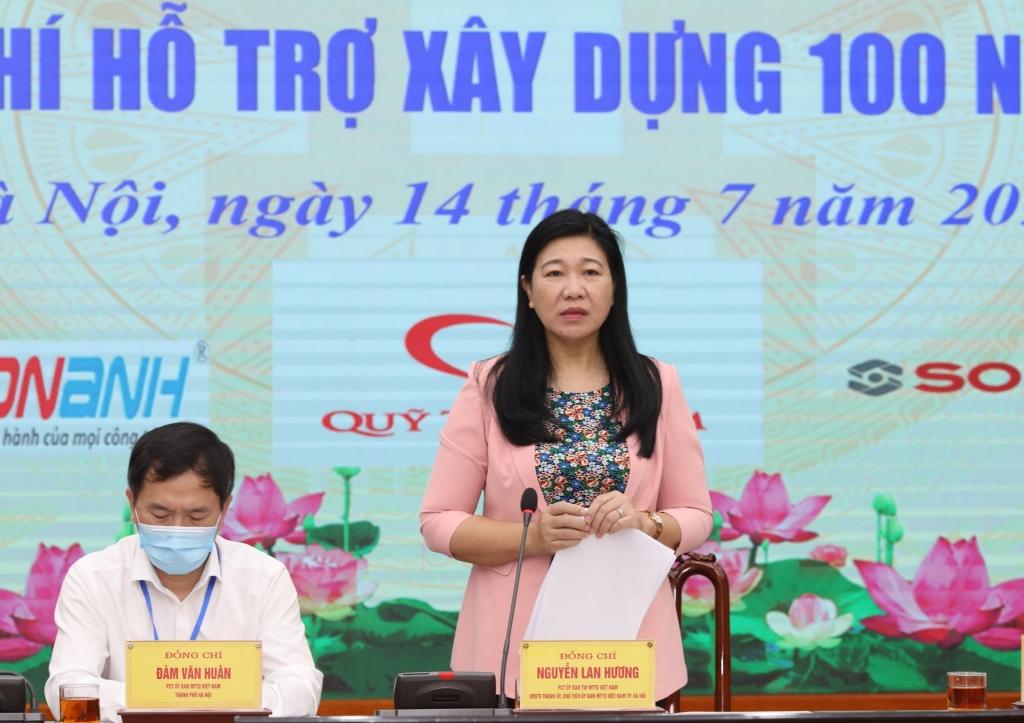 Chủ tịch Ủy ban MTTQ Việt Nam TP Hà Nội Nguyễn Lan Hương phát biểu tại chương trình
