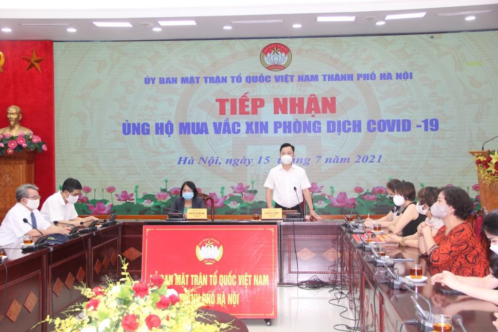 Phó Chủ tịch Ủy ban MTTQ Việt Nam TP Hà Nội Nguyễn Sỹ Trường phát biểu tại chương trình
