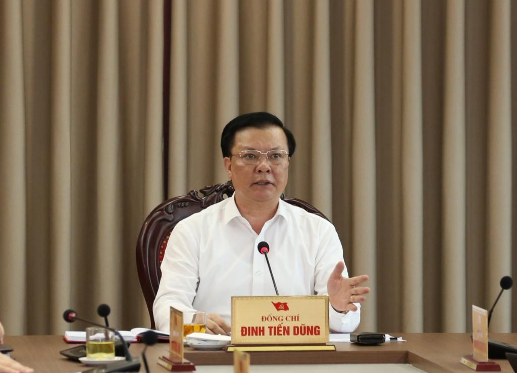 Bí thư Thành ủy Đinh Tiến Dũng kết luận cuộc họp
